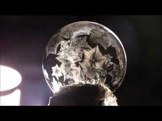 Wie macht man gefrorene Seifenblasen? - YouTube