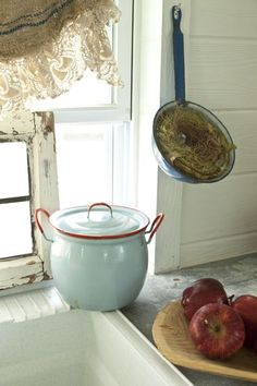 Love the red and white pot and the sweet nest tucked into the ladle (pinned from the Romantic Prairie Style magazine site)