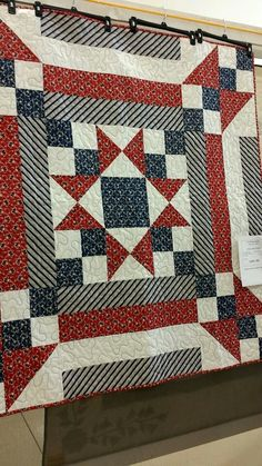 Red, white and blue star quilt Big Block Quilts, Blue Quilts, Star Quilts, Quilt Blocks, Flag Quilt, Patriotic Quilts, Quilting Projects, Quilting Designs, Quilting Ideas