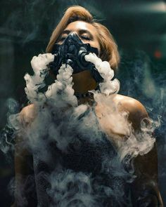 Smoke photography ideas - With the knowledge where to purchase smoke bombs for photography you won't ever be boring again. Smoke photography is extre. Film Noir Fotografie, Rauch Fotografie, Rauch Tapete, Creative Photography, Portrait Photography, Photography Ideas, Artistic Photography, Camera Photography, Photography Tutorials