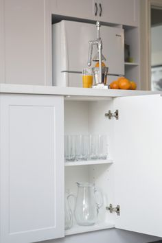 Perfect for entertaining, this country-style kitchen renovation in Mooroolbark features clever storage ideas and layers of white to brighten the space. Country Kitchen Renovation, Kitchen Benches, Quality Kitchens, Kitchen Doors, Painted Doors, Kitchen Styling, Bathroom Medicine Cabinet, The Hamptons, Kitchen Design
