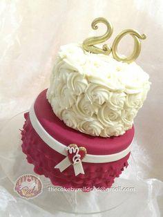 Wedding Anniversary Cake By Thecakebymildred 20 3 Tier Buttercream Offset … - Modern 20th Wedding Anniversary Gifts, Happy Anniversary Cakes, Anniversary Parties, Anniversary Ideas, 20 Birthday Cake, 20th Birthday, Birthday Hug, Elegant Wedding Cakes, Beautiful Wedding Cakes