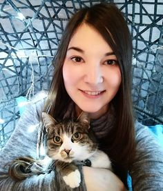 Reposting @sarina.nadine: Have a nice day everyone!  I'm chillin with my cat Lissy after baking that delicious cake 🍫🍰 . . . . . . . #cat #light #lights #blue #white #net #selfie #me #brunette #hair #laugh #chill #paws #tiger #wonderful #amazing #smile #sweet #style #cool #instacat #catsofinstagram #instadaily #instagood #winter #autumn #goodvibes