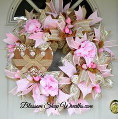 Valentine Wreath Heart Wreath Pink Burlap by BlossomShopWreaths Valentine Day Wreaths, Valentines Day Decorations, Easter Wreaths, Valentine Crafts, Holiday Wreaths, Valentine Ideas, Diy Wreath, Wreath Ideas, Wreath Making