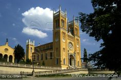A római katolikus (Szeplőtelen Fogantatás) templom Fóton, Ybl Miklós tervei alapján épült.