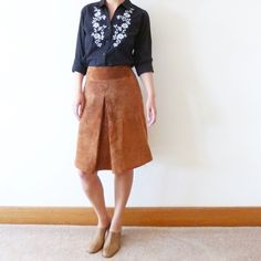 "Brown suede leather midi skirt Vintage brown suede leather skirt. Excellent condition. Size like M or L. Waist:15"", length:22"". Vintage Skirts Midi"