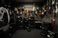 I Love Music Guitar Room Closet (the items you don't want hanging out in view in his room) So organi Home Music Rooms, Music Studio Room, Home Studio, Guitar Storage, Guitar Display, Guitar Wall, Guitar Room, Music Guitar, Amber Room