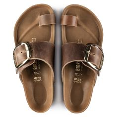 BIRKENSTOCK Miramar Big Buckle Oiled Leather Cognac in all sizes ✓ Buy directly from the manufacturer online ✓ All fashion trends from Birkenstock Heels Drawing, Cute Shoes, Me Too Shoes, Gold Nike Shoes, Black Shoes, Flipflops, Buckle Outfits, Balenciaga Shoes, Chanel Shoes
