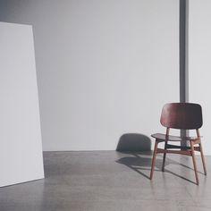 Shop Fredericia Furniture @ Olson and Baker UK Danish Furniture, Furniture Design, Space Copenhagen, Outdoor Dining Chairs, Lounge Sofa, Furniture Companies, Chair And Ottoman, Scandinavian Interior, Danish Design