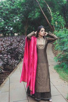 Trendy ideas for skirt hijab color combinations. India Fashion, Ethnic Fashion, Asian Fashion, Fashion Women, Fashion Ideas, Pakistani Dresses, Indian Dresses, Indian Outfits, Indian Clothes