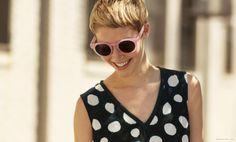 Garance Doré - Hannah in pink sunglasses