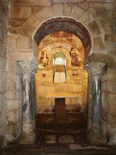 Iglesia de Santa Comba de Bande. Orense. España Romanesque Architecture, Architecture Design, Pre Romanesque, Roman Church, Early Christian, Wood Stone, Byzantine, Middle Ages, Romans