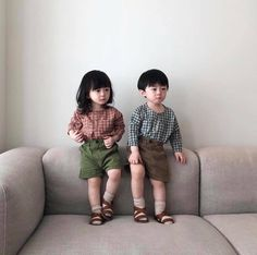 Cute Baby Twins, Cute Asian Babies, Twin Baby Boys, Korean Babies, Asian Kids, Twin Babies, Baby Kids, Father And Baby, Ulzzang Kids