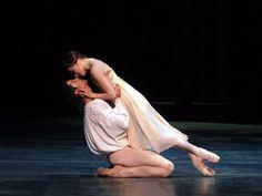 MacMillan's Romeo and Juliet - Irina Dvorovenko and Roberto Bolle...