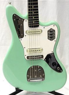 Squier by Fender 030-2000-557 Vintage Modified Jaguar Surf Green Electric G