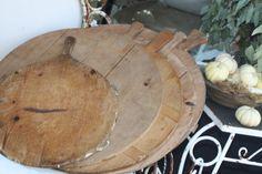 round bread boards