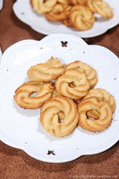 Klassiske Vaniljekranse - Danish Butter Cookies. Be sure to read her follow-up post with tips and photos from her readers