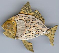 Thomas Mann Terrific Dimensional Detailed Mixed Metals Fish Pin | eBay