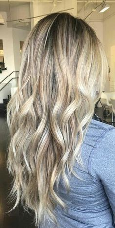 It's true, you can observe that balayage works pretty nicely with all hair lengths. Still another website to explain to you how balayage is finished. You can't fail with this gorgeous b… Cool Blonde Hair, Bleach Blonde, Long Blond Hair, Blonde Long Layers, Shades Of Blonde Hair, Blonde Dark Roots, Medium Ash Blonde Hair, Summer Blonde Hair, Bright Blonde Hair