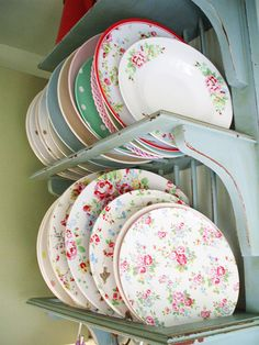 A Home Full of Cath Kidston Lovelies These beautiful photos and links for the products shown can be found at one of my favorite blogs, Hearthandmade UK. Please stop by and visit this lovely bog and it's creator, Claire. Make sure to sign up to follow Claire's eye on the world through bloglovin because I promise that you too will become hooked! This delightful woman will never disappoint because of her gift of exploring and finding vignettes of exceptional beauty.