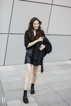 Street style: Kim Hee Seon at Seoul Fashion Week Spring 2016 shot by Park Ji Min