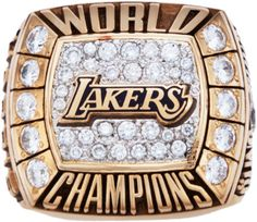 A new dynasty is born 2000 Los Angeles Lakers NBA Championship Ring. Basketball Pictures, Nba Basketball, Nfl Football, Nba Championship Rings, Nba Championships, Showtime Lakers, Nba Rings, Super Bowl Rings, Ring Of Honor