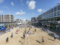Een mooi Almelo's evenement Beach vollybal op het Marktplein. Waar zal het dit jaar plaatsvinden? 2015