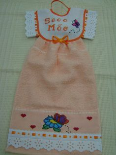 bate mão Kitchen Hand Towels, Dish Towels, Tea Towels, Towel Dress, Towel Apron, Sewing Crafts, Sewing Projects, Projects To Try, Diy Crafts
