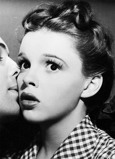 Judy Garland, always thought she was gorgeous before all her pill use. Fun fact...her real birth name was Frances Gumm.