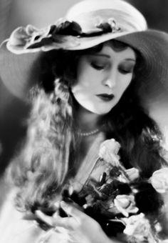Dolores Costello, 1920s