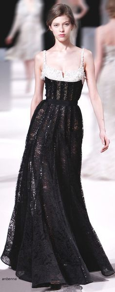 Elie Saab - Haute Couture - Fashion Jot- Latest Trends of Fashion Just lovely. Oh to have the reasons to wear such frocks! Ellie Saab, Style Couture, Couture Fashion, Runway Fashion, Fashion Show, Beautiful Gowns, Beautiful Outfits, Elie Saab Printemps, Robes Glamour