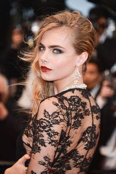 17 Holiday Makeup Looks to Wear This Season