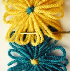 Flower Looms: Weave Stitch for Joining Square Flowers