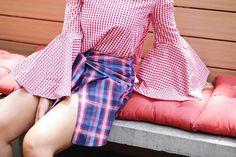 Mix and Match Vibes Já viu a matéria bacanérrima com tips da stylist @robertaweber ensinando how-to-wear xadrez? No clique um mix supercool com duas padronagens o tartan e o vichy.  Clique no link da bio para #read & #shop os checks... . . . . #amaro #check #xadrez #news #robertaweber #fashion #shop #shoponline #instamoda #instafashion #ootd #picoftheday #instabeauty #instastyle #lookoftheday
