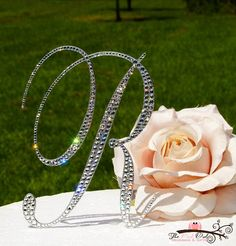 I love sparkle...which means I love this! I just need the letter M :)