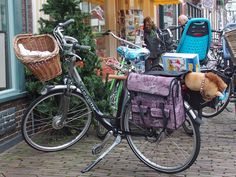 https://flic.kr/p/BJquVk   Amersfoort, Paard fiets   Some lucky child is getting a horse this Kerst !