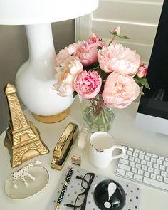 "Annie | Stylish Petite on Instagram: ""Currently on my desk  #sundayfunday | www.liketk.it/22Pzi"""