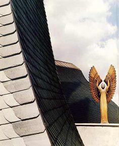 Paks Catholic Church by Imre Makovecz Frank Lloyd Wright, Gaudi, Architecture Organique, Organic Architecture, Outdoor Furniture, Outdoor Decor, Catholic, Art, Art Background
