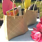 Favors and Flowers - Wedding & Party Supplies :: Wedding Favor Themes :: Beach Theme Wedding Favors :: Palm Leaf Shoulder Bag- Medium