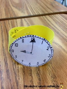 The Second Grade Superkids: What time is it? Telling Time Games, Telling Time Activities, Teaching Activities, Teaching Ideas, Teaching Clock, Teaching Time, Student Teaching, Math Classroom, Kindergarten Math