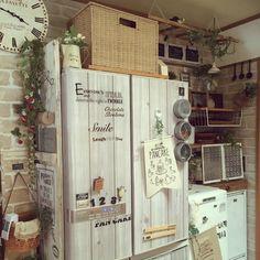 chi-koさんの、キッチン,冷蔵庫,100均雑貨,冷蔵庫リメイク,かご収納,ナチュラルが好き,お菓子収納,100均大好き,板壁DIY♡,イベントに参加してみました,2017.1.27,のお部屋写真