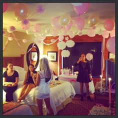 Bachelorette Awesomeness! | The North Shore Bride Balloons everywhere!