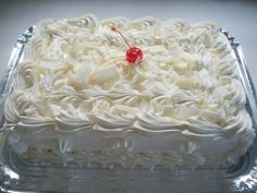 Receita de Glacê de Leite Condensado! Essa cobertura é ótima e barata. Recheia e cobre um bolo de 2 kg e tudo o que quiser misturar no glacê, fica bom. Exemplo: ameixas picadas, suco de maracujá, leite de coco.