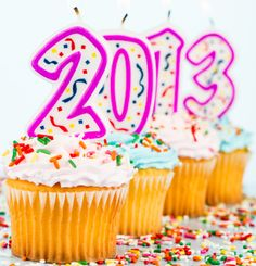 2013 new year cupcakes: Decorating ideas for a easy 2013 new year cupcakes that your family and friends can enjoy into the new year bash.