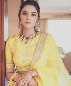51 Most Beautiful Indian Bridal Makeup Looks and Clothing Ideas - Dulhan Images - AwesomeLifestyleFashion Lengha Blouse Designs, Choli Designs, Lehenga Blouse, Blouse Neck Designs, Lehenga Choli, Floral Lehenga, Anarkali Gown, Indian Lehenga, Bridal Lehenga