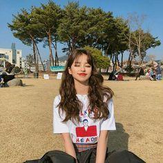 Do you wear make-up? Pretty Korean Girls, Cute Korean Girl, Korean Beauty, Asian Beauty, Ulzzang Korean Girl, Uzzlang Girl, Aesthetic Girl, Pretty People, Girl Hairstyles