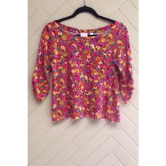 Anthropologie Floral Pocket Top Floral pocket top by the brand 'Postmark' (Anthropologie). Slightly cropped. Buttons on the sleeve that can be rolled up or left undone. Great condition. No rips or stains. ❌No trades❌ Anthropologie Tops