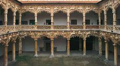 Patio interior del Palacio del Infantado ©Turespaña