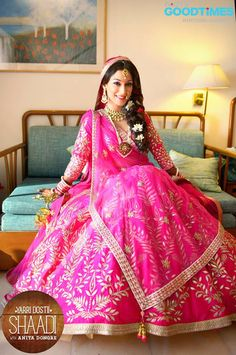 Bride With Pink Bridal Lehenga : Spotted Online Pink Bridal Lehenga, Wedding Lehnga, Indian Bridal Lehenga, Indian Bridal Wear, Asian Bridal, Desi Wedding, Indian Wedding Outfits, Bridal Outfits, Wedding Attire