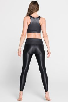 We all love to get out of town sometimes and having comfy leggings whether in a car or on a plane is a must for a short city break…and who says you can't work out while traveling? Short City Breaks, Black Leggings, Plane, Leather Pants, Traveling, Comfy, Workout, Car, Fashion